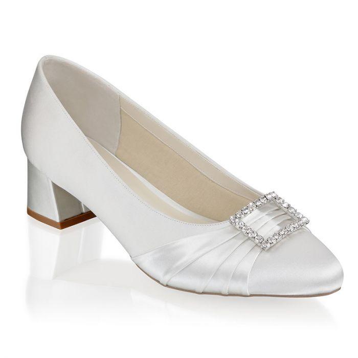Brittney Ivory Wide Fit Low Heel Court