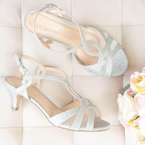 Wide fit ladies shoes