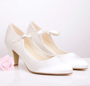 Wedding shoe for statement dress