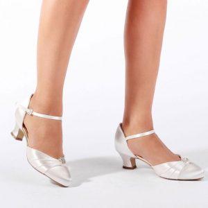 53_addie_ivory_vinatge_collection_wedding_shoes